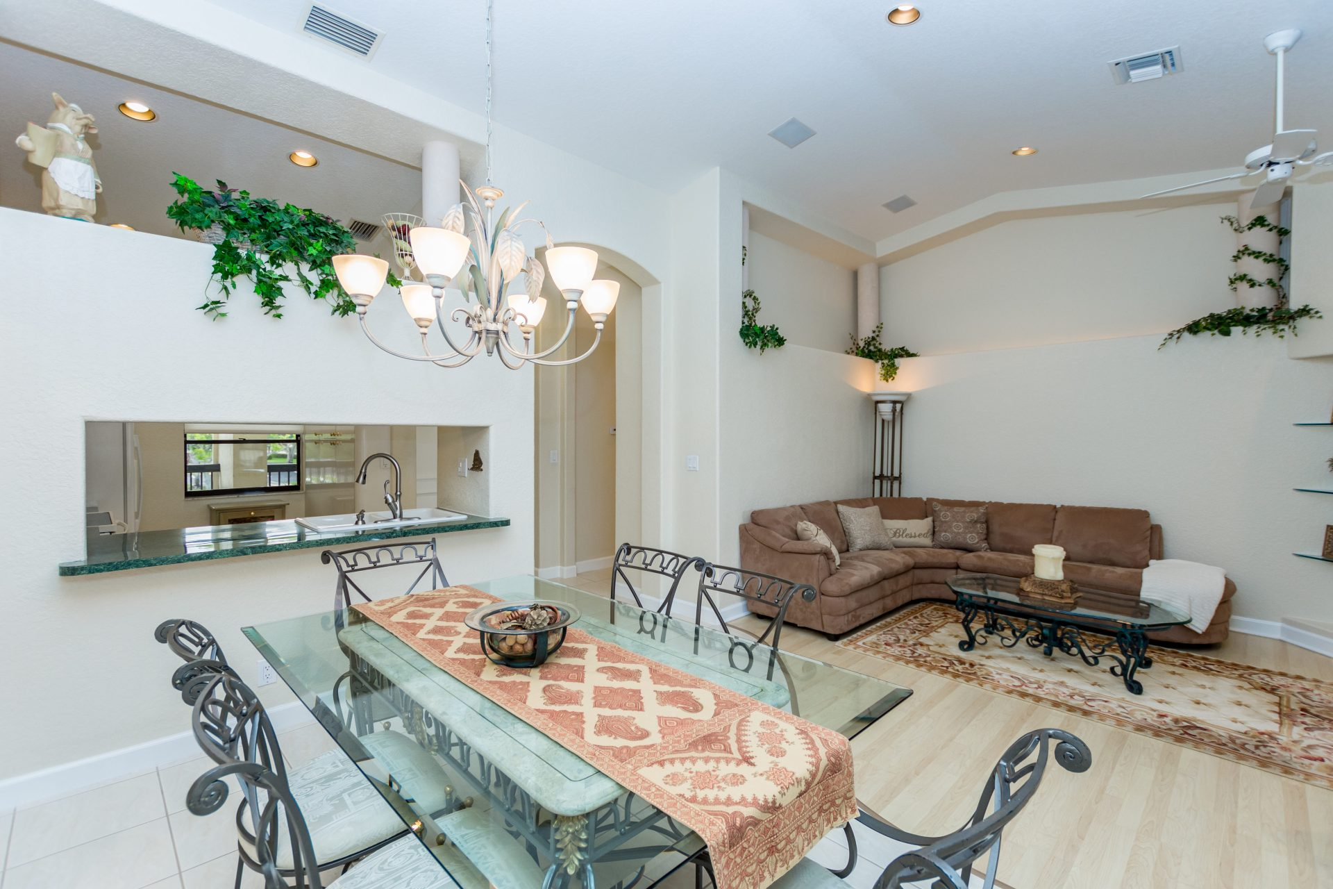 Immobilier Floride Investissement Plantation Condo One of A Kind with high ceilings