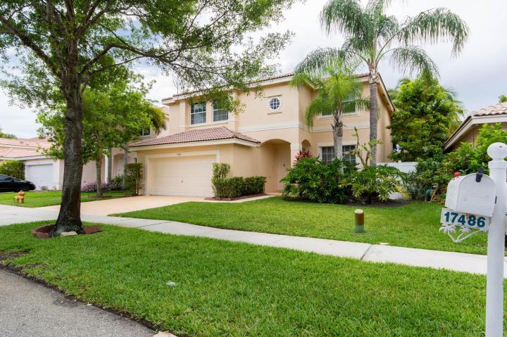 Immobilier Floride Maison à vendre Silver Lakes - Miramar - Floride, immense master bedroom, grand jardin